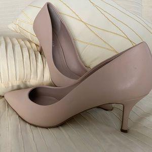 🔥💜NWT Nude Heels